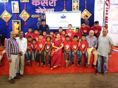 Group photo with Mayor Mukta Tilak